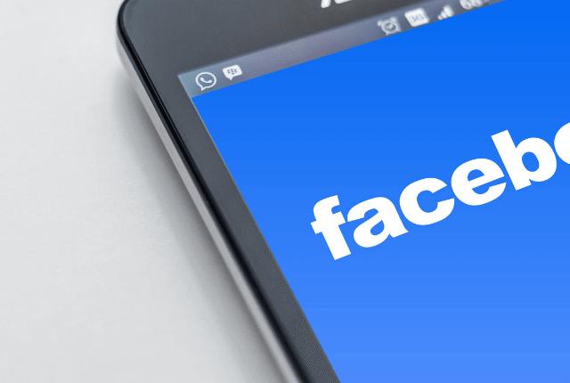 פייסבוק, אפליקציית פייסבוק בנייד