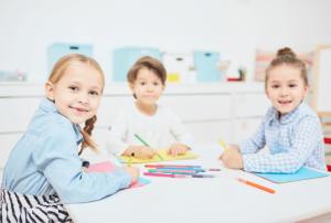 פעילות בגני ילדים, יצירות וציורים